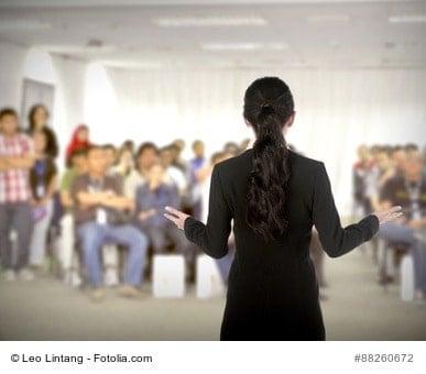 Haben Sie vor Ihrem Vortrag Angst? Mein 7-Punkte-Programm für mehr Spaß und Gelassenheit vor Gruppen