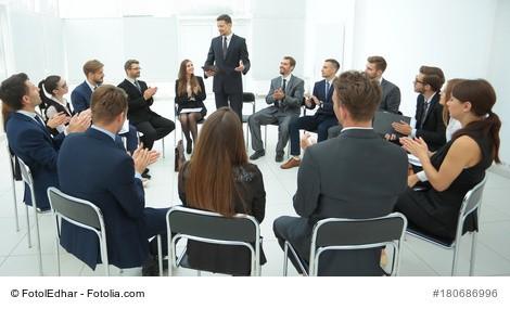 Angst vor Gruppen zu sprechen - mein 7-Punkte-Programm für mehr Gelassenheit vor der Gruppe